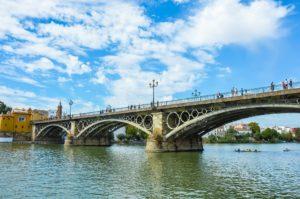 sevillavisita puente de Triana